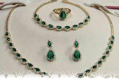 A La Marocaine : Bijoux: Le style marocain a-t-il sa place dans le monde de la mode? Style Marocain, Moroccan Jewelry, Place, Washer Necklace, Jewlery, African, Fashion, Jewels, Moroccan Wedding