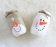 This mason jar candle holder features an adorable snowman catching a snowflake on the tip of his nose. A perfect addition to your holiday decor or a gift for someone special!  100% hand painted and coated with an acrylic sealer.  *candle not included  Have a question? Need a custom order? Feel free to convo me