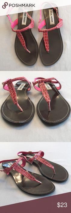 STEVE MADDEN Sz 7 Flat Pink Sandals