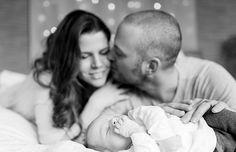 Babyfotos mit dem kleinen Mio | mummyandmini.com newborn boy  Fotos: Daniela Marquardt Styling: Julia Make-Up Artist