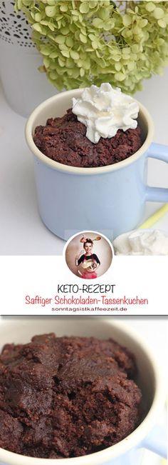Lust auf einen KETO Schokoladenkuchen? Jetzt habe ich einen Kuchen für Euch, der in nur 4 Minuten fertig ist. Er ist der saftigste und schnellste Schokoladentraum in der Tasse! #ketogenerezepte #ketorezept #tassenkuchen #schokoladentassenkuchen #schokoladenkuchen ketodiät #abnehmen #ketotrepte Sweet Bakery, Pudding Desserts, Cupcakes, Fabulous Foods, Easy Peasy, Low Carb Recipes, Good Food, Sweets, Eat