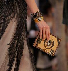 Chanel Cruise 2016-17: Os acessórios - Especiais - Vogue Portugal