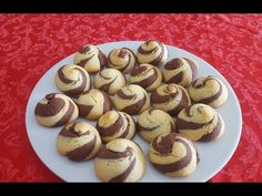 YouTube Biscuits, Torte Cake, Italian Cookies, Cute Food, Finger Foods, Cookie Recipes, Chef, Muffin, Goodies