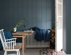 British paint manufacturer Farrow & Ball has expanded its extensive color card with nine new shades. Carefully chosen to balance Farrow & Ball'. Office Paint Colors, Popular Paint Colors, Kitchen Paint Colors, Paint Colors For Home, House Colors, Paint Colours, Wall Colours, Farrow Ball, Farrow And Ball Paint