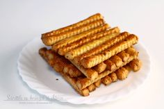 Sărățele cu brânză și chimen Pizza Recipes, Appetizer Recipes, Appetizers, Cooking Recipes, Tapas, Cooking Bread, Romanian Food, Desert Recipes, Finger Foods
