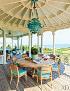 An artfully tailored upgrade by designer Michael S. Smith brings an air of modern glamour to a 1920s boathouse on a Wisconsin estateBette Midler's lush Manhattan penthouse and garden Alessandra Branca's chic Bahamas getaway Muriel Brandolini's family retreat in the Hamptons