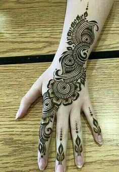 Mehndi henna designs are always searchable by Pakistani women and girls. Women, girls and also kids apply henna on their hands, feet and also on neck to look more gorgeous and traditional. Easy Mehndi Designs, Henna Hand Designs, Dulhan Mehndi Designs, Latest Mehndi Designs, Bridal Mehndi Designs, Mehndi Designs Finger, Mehndi Designs For Girls, Mehndi Designs For Beginners, Mehndi Design Pictures