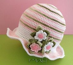 Articoli simili a Crochet pattern - Pink ladybug baby set hat with booties.  Permission to sell finished items. su Etsy c3f6b08ae68