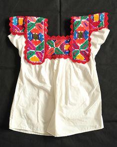 Chatino Blouse Mexico by Teyacapan-WANT!