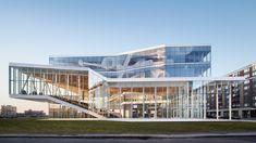 Maison des étudiants de l'ÉTS. Montreal Canada by/par Menkès Shooner Dagenais LeTourneux Architectes – Photo by Stéphane Brügger
