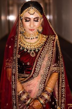 Bridal Makeup Trends for 2019 for a modern bridal look! Beautiful Bridal Makeup, Best Bridal Makeup, Bridal Makeup Looks, Indian Bridal Makeup, Dulhan Makeup, Indian Bridal Photos, Wedding Eye Makeup, Indian Bridal Hairstyles, Bride Look