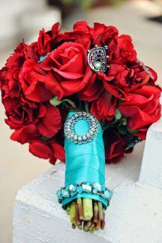Choosing Your Wedding Colors -(Bouquet: Alexis Grace Designs)