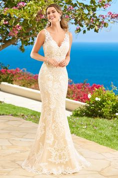 2016 V Neck Wedding Dresses Mermaid Tulle With Applique Court Train