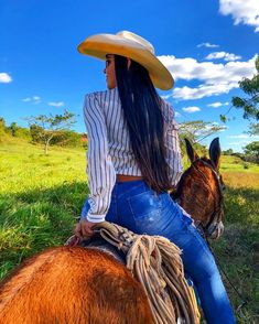 Sexy Cowgirl Outfits, Rodeo Outfits, Cute Outfits, Cowboy Girl, Cowboy Up, Country Women, Country Girls, Country Girl Photos, Foto Cowgirl