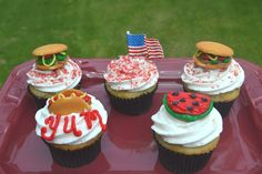 Sweetology: Memorial Day Cupcake Cuteness.....Have a GREAT day!!!!