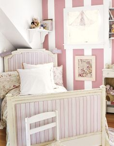 Striped Walls - Cute for a kid's room Pink Bedroom Decor, Pink Bedroom For Girls, Little Girl Rooms, Pink Room, Awesome Bedrooms, Beautiful Bedrooms, How To Make Headboard, Headboard Designs, Striped Walls