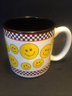 Vintage Smiley Happy Face Checkered Cocoa Hot Chocolate Coffee Cup Mug 10 Oz.