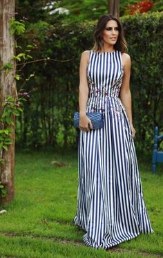 How to wear a vertical striped maxi dress casually looks Cute Dresses, Beautiful Dresses, Casual Dresses, Summer Dresses, Midi Dresses, Dress Skirt, Dress Up, Dress Outfits, Fashion Dresses