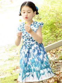 mama says sew: Fields of Flowers Dress