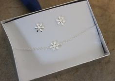 Snowflake jewelry, Sterling silver snowflake set, snowflake charm, bridesmaid gift, Christmas gift, Delicate bracelet, tiny necklace by GreatJewelry4All on Etsy