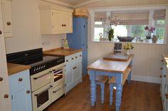 LUXURY 2014 STATIC HOUSEBOAT AND MOORING Narrowboat, Kitchen Island, Floating Kitchen Island