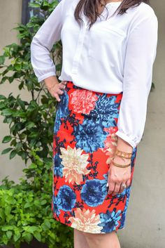 red navy floral pencil skirt for fall work wear | pinned by KimbaLikes.com for Wardrobe Wednesday