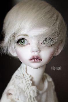 Gorgeous Sybille par Claudia - True Dolls