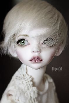 Gorgeous Sybille par Claudia - True Dolls