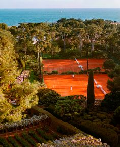 Any #tennis player would be lucky to play on such beautiful courts. http://www.centroreservas.com/