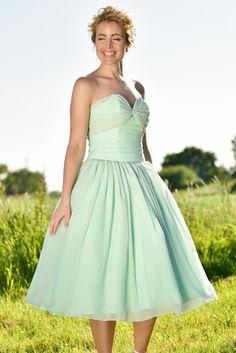 Light emerald green chiffon bow dress!! Light outdoor wedding!
