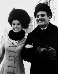 This photo was taken on the set of Doctor Zhivago It is an epic drama–romance film directed by David Lean. The actress Geraldine Chaplin (as Tonya Gromeko) and the actor Omar Sharif (Dr. Hollywood Actor, Classic Hollywood, Dr Zhivago, Doctor Zhivago, Santa Monica, I Movie, Movie Stars, David Lean, Most Handsome Actors