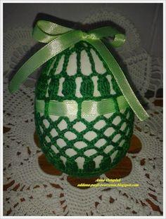 Oddana pasji tworzenia...: Wielkanocne jajeczka w rozmiarze XXL Easter Crochet Patterns, Crochet Bunny Pattern, Yarn Crafts, Diy And Crafts, Holiday Crochet, Crochet Snowflakes, Fabric Yarn, Egg Art, Crochet Basics