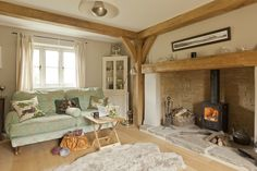 New Photo Fireplace Hearth height Thoughts New Free Fireplace Hearth height Popular beautiful beams & hearth Living Room Decor Cozy, Cottage Living Rooms, Cottage Interiors, My Living Room, Home And Living, Cotswold Cottage Interior, Inglenook Fireplace, Fireplace Hearth, Fireplaces