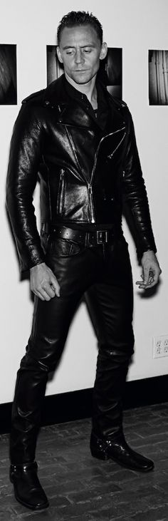 Tom Hiddleston photographed by Steven Klein for Interview Magazine. Click for full resolution: http://ww4.sinaimg.cn/large/6e14d388jw1f89kxdqj7ej20jv0rsq6j.jpg