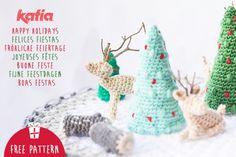 Descarga nuestro patrón de amigurumi y crea un micromundo navideño de ganchillo con abetos, troncos de madera y ciervos | http://www.katia.com/blog/es/descarga-patron-amigurumi-micromundo-ganchillo/