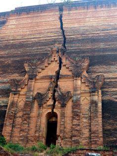 Myanmar - Birmanie - Mingun Taxi-vache, plus grosse cloche du monde et temples Paya éblouissants https://picsandtrips.wordpress.com/2014/03/25/mingalaba-burma/