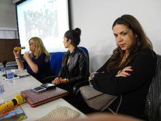 """Neste dia do Curso de Difusão de Jornalismo de Moda, estiveram presentes as """"feras"""": Marina Sprogis (fotógrafa brasileira em Paris) e as assessoras de imprensa da Index Letícia Veloso e Taciana Veloso."""
