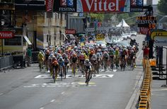 La Course by Le Tour ‏@LaCoursebyTDF Marta Tagliaferro still in the lead! #LaCourse