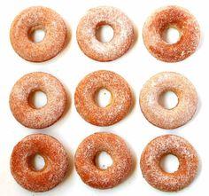 donuts assados (fiz em formas de mini cupcake e remotamente lembrou bolinho de chuva, mas é gostoso)