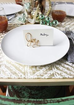 Try these easy wire place card holders for your next holiday gathering.