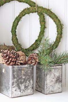 Så kunne jeg endelig åpne dørene inn til min lille julebutikk i Brevik . Desverre har ikke alle varene ankommet ennå , men siden vi er så...