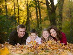 fall leaves family portraits