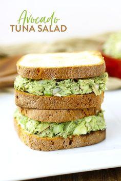 Avocado Tuna Salad Recipe - a healthy lunch recipe made with avocado in place of mayo. TF 26 14 cans 6 avocado 2 loaves of Hawaiian bread 1 bag of pita bread 2 onions At least the recipe Good Healthy Recipes, Healthy Foods To Eat, Healthy Snacks, Healthy Eating, Healthy Tuna Salad, Avocado Tuna Salad, Ripe Avocado, Egg Salad, Healthy Tuna Sandwich