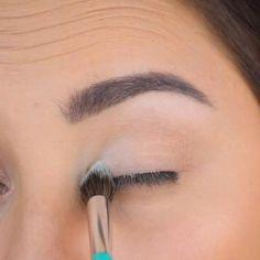 #FrenchBeautySecrets Eye Makeup Tips, Makeup Hacks, Eyebrow Makeup, Skin Makeup, Makeup Ideas, Makeup Goals, Makeup Products, Eyebrow Products, Hair Hacks