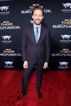 Tom Hiddleston attends the world premiere of Thor: Ragnarok held at El Capitan Theatre, Hollywood, Los Angeles (10/10/17) (https://twitter.com/LAfilmredcarpet/status/918145368768073728 )