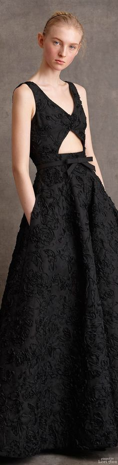 Ideas dress black casual michael kors for 2019 Couture Fashion, Runway Fashion, Fashion Show, Fashion 2015, Fashion Black, Lil Black Dress, Evening Gowns, Fashion Brands, Fall 2015