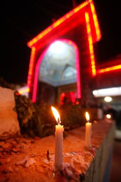 A candle is lit at Imam Hussein& encampment (source: hoorein. Islamic Images, Islamic Pictures, Islamic Art, Karbala Iraq, Imam Hussain Karbala, Labaik Ya Hussain, Karbala Pictures, Battle Of Karbala, Imam Hussain Wallpapers