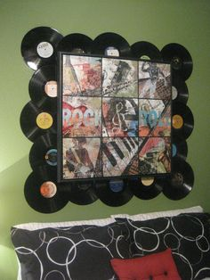 frame of old records - this would be great for the music room Bostwick Cd Diy, Vinyl Record Crafts, Vinyl Art, Old Records, Records Diy, Record Wall, Record Decor, Music Wall Decor, Creation Deco