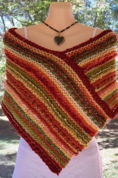 Love this poncho. Looks so simple but effective. Great way to use up yarn scra. Love this poncho. Looks so simple but effective. Great way to use up yarn scraps too. Always aspired to learn to knit, b. Tunisian Crochet, Crochet Shawl, Easy Crochet, Knit Crochet, Crochet Scarves, Crochet Clothes, Crochet Capas, Knitting Patterns, Crochet Patterns
