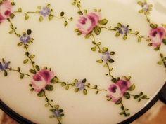 トリンケットボックス - イギリスとフランスのアンティーク   バラと天使のアンティーク   Eglantyne(エグランティーヌ)